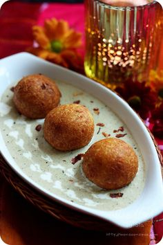 Mughlai Paneer Kofta Curry Recipe - How to Make Paneer Kofta - Deep fried paneer( Indian cottage cheese) and dried nuts dumplings served in a creamy almond and cashew nut gravy Paneer Recipes, Curry Recipes, Indian Food Recipes, Vegetarian Recipes, Cooking Recipes, Indian Foods, Vegetarian Cooking, Veg Recipes, Sauce Recipes