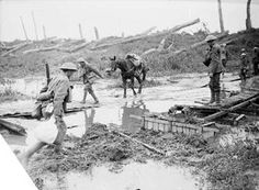 July 1917 during the Battle of Pilckem Ridge : Crossing the Yser Canal at Boesinghe.