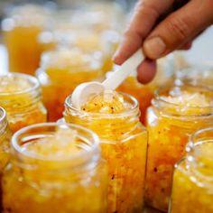 Äppelmarmelad med vanilj - recept - Mitt kök Diy Food, Food N, Good Food, Food And Drink, Homemade Sweets, Homemade Gifts, Pots, Canning Recipes, Chutney