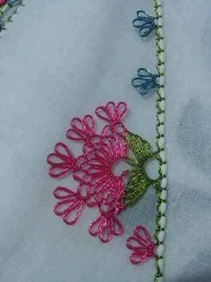 This Pin was discovered by NAL Needle Tatting, Needle Lace, Bobbin Lace, Needle And Thread, Lace Patterns, Baby Knitting Patterns, Crochet Patterns, Crochet Unique, Crochet Sunflower
