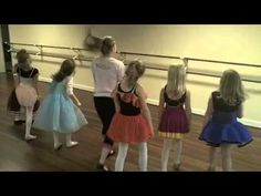 Hip Hop dance Moves For Kids : The Halloween Dance Dance Camp, Cheer Dance, Songs For Dance, Dance Stuff, Warm Up Music, Preschool Action Songs, Hip Hop Dance Moves, Zumba Kids, Halloween Dance