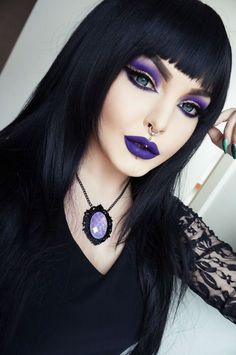 Rose Shock Goth Gothic Vampir Alternative Lolita dunkel Make-up Kleid Rock Heels … - Halloween Make-up Gothic Makeup, Dark Makeup, Fantasy Makeup, Purple Witch Makeup, Pretty Witch Makeup, Witchy Makeup, Dark Fairy Makeup, Goth Eye Makeup, Skeleton Makeup
