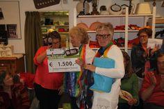 Wat zijn we enorm blij met de mooie donatie van Kringloopwinkel Re-Sell Westland! Ontzettend bedankt! Daar kunnen we weer 75 kinderen van bezoeken.