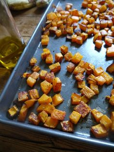 Crispy Roasted Butternut Squash-drizzle evoo in baker, add squash sprinkle with garlic garlic (about tbsp), salt, pepper and cinnamon. Side Dish Recipes, Vegetable Recipes, Vegetarian Recipes, Healthy Recipes, Healthy Meals, Healthy Sides, Diabetic Recipes, Fall Recipes, Yummy Recipes