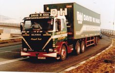COL PHOTO DAVID W. HAIG SCANIA 142 ARTIC BOX VAN TRAILER - A995 USU #Notapplicable Cool Trucks, Big Trucks, Old Lorries, Box Van, Commercial Vehicle, Classic Trucks, Semi Trucks, The Good Old Days, Cars And Motorcycles
