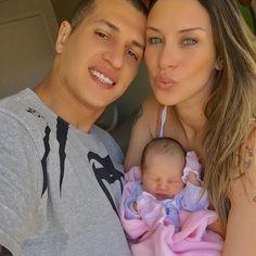 Ex-panicat Lizi Benites dá à luz seu primeiro filho #Erro, #Facebook, #Famosos, #Instagram, #Luz, #M, #Modelo, #Noticias, #Novo, #Panicat, #Show, #True, #Tv, #Twitter http://popzone.tv/2016/12/ex-panicat-lizi-benites-da-a-luz-seu-primeiro-filho.html