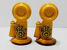 Old Fashioned Candlestick Telephone Salt And Pepper Shaker Set An Yellow N