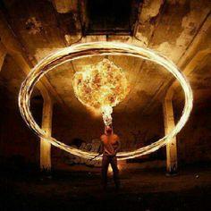Cracheur de feu :: Tom Lacoste