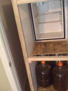 Homebrewing rig Show me your DIY Fermentation Chamber! - Home Brew Forums Home Brewery, Home Brewing Beer, Brewing Co, Beer Recipes, Coffee Recipes, How To Make Mead, Home Brew Supplies, Home Brewing Equipment, Food Truck Design