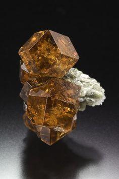 Grossular Garnet - Vermont / Mineral Friends <3