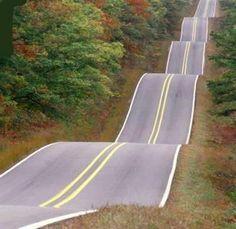 Lindas e assustadoras estradas