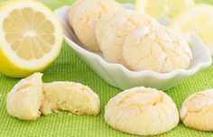 These Sweet and Tangy Cookies Are the Perfect Warm Weather Treat To us, nothing says springtime quite like a nice hot batch of tangy, succulent lemon drop cookies. They're rich and sweet enough to make a Lemon Cookies Easy, Lemon Cake Mix Cookies, Lemon Cake Mixes, Easy Cookie Recipes, Great Recipes, Dessert Recipes, Recipes Dinner, Quick Family Meals, Easy Meals