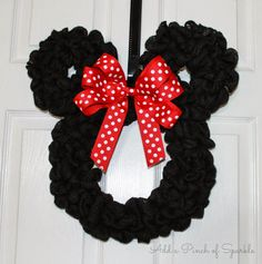 Super for a Minnie themed party! From Add A Pinch Of Sparkle: Minnie Mouse Wreath: Tutorial Disney Christmas Decorations, Mickey Christmas, Christmas Crafts, Valentine Crafts, Minnie Mouse Gifts, Mickey Mouse Crafts, Wreath Crafts, Diy Wreath, Wreath Ideas