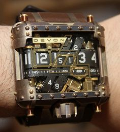 This is just awesome! What a great #steampunk watch.
