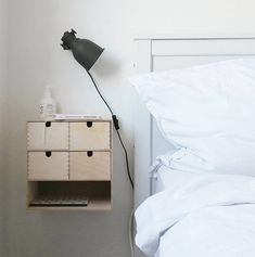 Moppe as nachtkastje of halkastje. - Ikea DIY - The best IKEA hacks all in one place Ikea Furniture, Upcycled Furniture, Bedroom Furniture, Furniture Design, Plywood Furniture, Furniture Ideas, Ikea Hack Bedroom, Modular Furniture, Furniture Removal