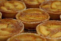 En tête de notre palmarès, les tartelettes aux pommes du Boulanger de Monge, rue Montorgueil (IIe).