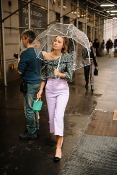 The Best Street Style Coming Out of New York Fashion Week Der beste Streetstyle de Top Street Style, New York Street Style, Street Style Trends, Cool Street Fashion, New Fashion, Korean Fashion, Womens Fashion, Fashion Tips, Fashion Design