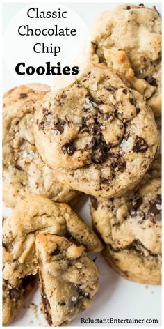 a true classic chocolate chip cookie recipe. Sprinkle with flake salt for the finishing touch. Classic Chocolate Chip Cookies Recipe, Chocolate Marshmallow Cookies, Chocolate Chip Shortbread Cookies, Toffee Cookies, Spice Cookies, Best Chocolate Chip Cookie, Chip Cookie Recipe, Yummy Cookies, Chocolate Recipes