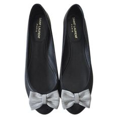 Pre-owned Saint Laurent Black Leather Ballet Flats (460 CAD) ❤ liked on Polyvore featuring shoes, flats, black, women shoes ballet flats, leather ballet flats, black ballerina shoes, leather shoes, black leather shoes and black ballet flats