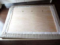 DIY: cómo hacer un cabecero con capitoné. | Decoración Ideas Para, Mattress, Furniture, Home Decor, Fashion, Head Boards, Decorating Tips, Templates, Upholstered Beds