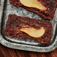 Chocolate and pears are a classic duo, and this deliciously moist cake makes for a perfect Valentine's Day treat! Baked Apple Dessert, Apple Dessert Recipes, Baking Recipes, Pineapple Fritters, How To Make Cake, Food To Make, Cinnamon Streusel Coffee Cake, Raspberry Coffee Cakes, Cake Preparation