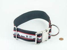 "Halsband ""Ruhrpott"" schwarz/rot, extrabreit   #Hundehalsband #Ruhrpott   Direktlink zum Shop: http://www.dog-smilla.de/produkt/halsband-ruhrpott-schwarzrot/"