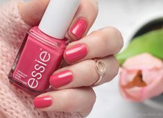 essie - Resort 2017 LE | resort romanza | swatches & comparisons with other essie polishes