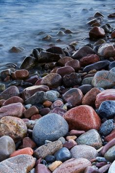 Stones 2 - Tapetit / tapetti - Photowall Canvas Art, Canvas Prints, Photo Wallpaper, River Rocks, Stones, Wallpapers, Space, Water, Design