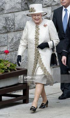 Queen Elizabeth II arrives to lay a wreath at Dublin Memorial Garden on May 17…