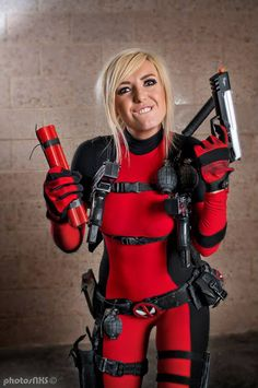 Jessica Nigri as Lady Deadpool Deadpool Cosplay, Lady Deadpool, Superhero Cosplay, Marvel Cosplay, Jessica Nigri Cosplay, Comics Girls, Geek Girls, Best Cosplay, Awesome Cosplay