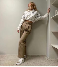 Frankie Shop Bea Pleated Suit Pants in Latte Normcore Fashion, Fashion Pants, Look Fashion, Fashion Outfits, Hijab Fashion, Mode Outfits, Casual Outfits, Casual Pants, Casual Clothes