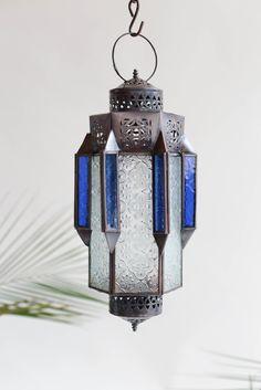Farol para iluminar un lugar especial. From Marrakech, with Love!! www.casamediterranea.com.ar