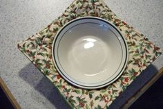 Microwave bowl pads... multiple sizes, diy pattern.  Super fast and easy to make... just in time for Christmas!  Place the bowl in the potholder like bowl... microwave and you have built in pot holder/place mat!  No more burned fingers!