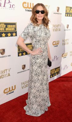 I like the print. Great take on a gown   Julia Roberts in Juan Carlos Obando at 2014 Critics Choice