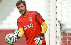 Goleiro do Benfica sentiu a coxa no duelo contra o Boavista