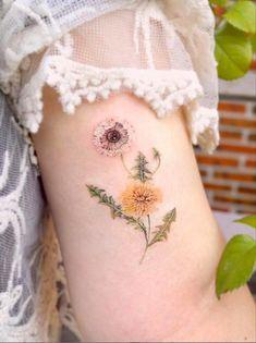 tattoos, small tattoos, tattoo ideas, tattoo ideas female, mini tattoos, butterfly tattoos, tattoo designs, sleeve tattoos, finger tattoos, unique tattoos, hand tattoos, best friend tattoos, minimalist tattoos Finger Tattoos, Body Tattoos, Sleeve Tattoos, Mini Tattoos, Small Tattoos, Henna, Aesthetic Tattoo, Classic Tattoo, Best Friend Tattoos