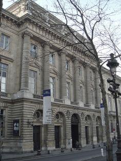 hôtel des Monnaies, architect Jacques Denis Antoine (1733–1801), who in 1765 beat Étienne-Louis Boullée and François Dominique Barreau de Chefdeville in a competition to design it. Completed 1775.