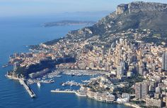 """The ultra-luxurious Hotel Metropole Monte-Carlo is always one the spots that celebrities and other high-net-worth guests flock to so they can """"see and be seen."""" But it will be even more so during the upcoming Monaco Yacht Show. And now that the famous hotel offers an exclusive personal shopper service that will assist buyers find their perfect yacht at the show, it's a pretty good bet that more than a few superyacht deals will be celebrated with champagne in the Metropole's famous bar."""
