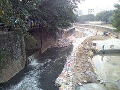昨天下午顺路重回以前读初中骑单车上学时经过的一些地方,感觉熟悉又陌生,变化还是蛮大,感叹物是人非!另外石岩河在以前整治后河水较为清澈,然而现在却变成废水排水沟,沿岸有大大小小的排污口。希望环保部门能够提高监督和惩罚力度,大家尽可能节约用水,减少污水废水的产生,还石岩河昔日的魅力!