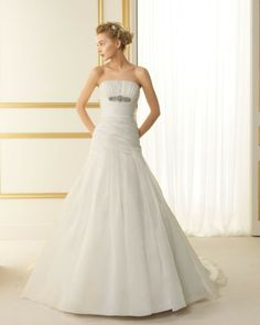 110 TAMAY / Wedding Dresses / 2013 Collection / Luna Novias
