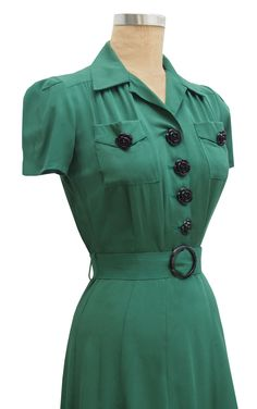 40s style belted shirtwaist slim fitting dress