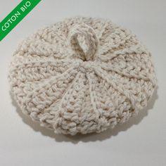 Ce tawashi est réalisé avec un fil en coton épais 100% biologique, non traité, non teinté. Il a une bonne tenue et respecte votre peau.