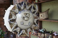Sluníčko z Vysočiny (P) na obj. Decorative Plates, Home Decor, Clays, Cement, Faces, Atelier, Sun, Pictures, Decoration Home