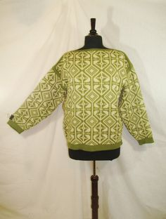 This is an amazing vintage 80s sweater by Nesjar made out of 100% wool FROM NORWAY!