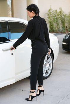 Kylie Jenner Photos Photos: Kylie Jenner & Tyga Hit the Mall Kylie Jenner Photos, Kyle Jenner, Kylie Jenner Outfits, Kendall And Kylie Jenner, Looks Adidas, Moda Outfits, Chic Outfits, Fashion Outfits, Jenner Style
