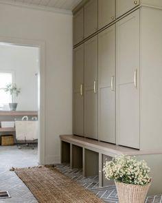 Rustic Renovations, Home Renovation, Garage Guest House, Modern Interior Design, Mudroom, Scandinavian Design, Built Ins, Decoration, Custom Homes