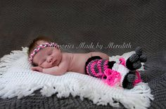 Roller derby baby costume Crocheted skates, leggings, and headband for baby.. $28.00, via Etsy.