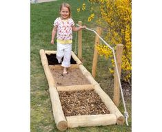 Sinnes-Tastpfad - Everything About Kindergarten Preschool Garden, Sensory Garden, Forest School Activities, Kindergarten Activities, Kindergarten Architecture, Outdoor Hammock, Outdoor Play, Outdoor Classroom, Outdoor Learning