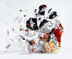 Photograph by MARTIN KLIMAS When cheap, cut-rate porcelain figurines hit the ground they shatter. Photographer Martin Klimas captures this transformative and fleeting moment right before their demise. Martin Klimas, Greek Statues, Angel Statues, Italian Statues, Buddha Statues For Sale, Good Luck Girl, Zeus Statue, High Speed Photography, Waves Photography