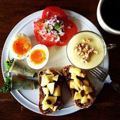 Today's breakfast. Sweet potato Soup さつまいものポタージュ、菜の花の生ハム巻き、パンには煮たりんご